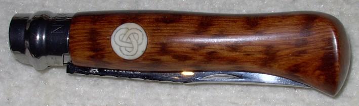 N°8 en amourette avec un insert en dent de phacochère et scrimshaw celtique